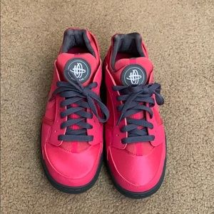 Women's Nike Huarache Dance Shoes, Size 7